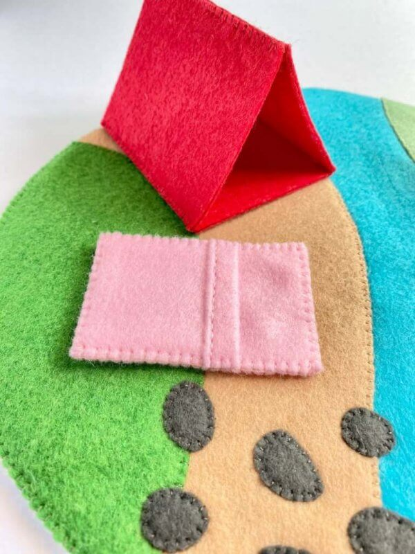 Felt Pink Sleeping Bag and Red Tent Accessories by Malaysia Toys