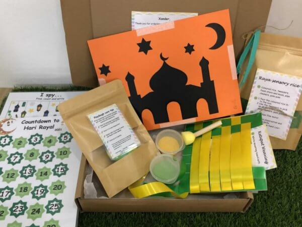 Special Edition Raya Busy Activity Box Kit by Malaysia Toys - Contents