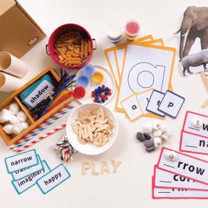 Savannah Animals Discovery Kit by Malaysia Toys